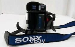 Sony Handycam HI 8 CCD-TRV118 Video Recorder Handheld 560X Digital Zoom Bag Tape