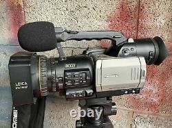 Caméra/enregistreur Vidéo Numérique Dvx100 Panasonic Avec 2 Piles, Télécommande Et Trépied