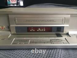 Jvc Hm-dr10000ek Vcr Numérique Vhs S-vhs D-vhs Enregistreur De Cassette Vidéo Mpeg2 Codec
