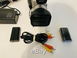 Sony Dcr-vx2000 Numérique Cam Video Recorder Caméscope Minidv 3ccd Avec 2 Piles
