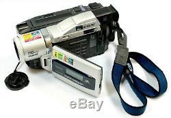 Sony Handycam Dcr-trv820e Pal Digital8 Video Camera Recorder