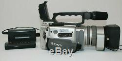 Sony Handycam Video Recorder Appareil Photo Numérique Dcr-vx2000 Avec Chargeur Et À Distance